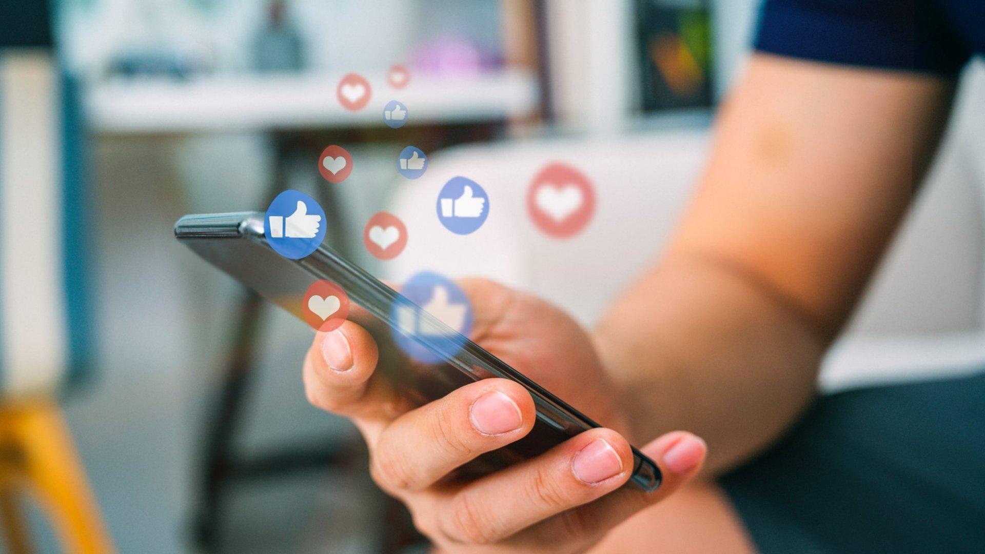 Avantajele și capcanele social media și pediatrie